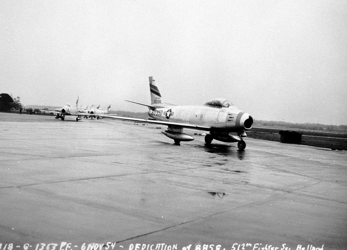 406 FDW_512 FDS_F 86F_25350_arriving at CNA_bw